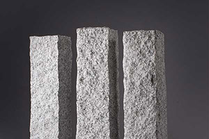 Palisada granitowa łupana 10x10x33 1